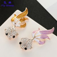 Wholesale Corsage Pins Wholesale - Luxury high-end brooches Fashion Fish crystal corsage pins for bag clothing hat scarf accessories clothing accessories clothing factory sale