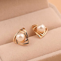 Wholesale Nose Ring Designs Gold - New Design Triangle Pearl Earrings Gold Plated Alloy Stud Earrings For Elegant Women Girl Gifts Wholesale Aretes