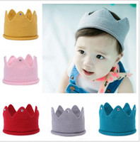 ingrosso corona a maglia del bambino-Baby Knit Crown Tiara Kids Infant Crochet Fascia per berretti Hat Birthday Party Photography Puntelli Beanie Bonnet Winter Keep Warm