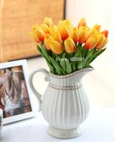 mini tulipas artificiais venda por atacado-Mini casamento 31 Pçs / lote Pu Mini Tulipa Flor Toque Real Buquê de Flores de Casamento Artificial Flores De Seda Para Decoração de Festa Em Casa