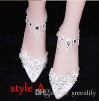 bombas de brillo rojo al por mayor-Elegantes zapatos nupciales de la boda Bombas de la boda hebilla de zapatos de tacón alto de diamantes de imitación de diamantes de imitación de la perla zapatos de la princesa de la boda blanco rojo