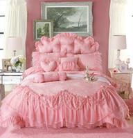ropa de cama de encaje reina princesa rosa al por mayor-Venta al por mayor- Clásico coreano princesa rosada Juegos de cama Colcha 4 piezas Jacquard Satin Seda Funda nórdica Ruffles Encaje Ropa de cama Cama Falda Algodón