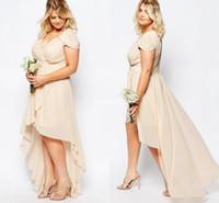 bridesmaid dresses nude toptan satış-Şampanya Çıplak Şifon Yüksek Düşük Ülke Gelinlik Modelleri Artı Boyutu 2018 V Yaka Kısa Kollu Genç Onur Hizmetçi Düğün Konuk Elbise