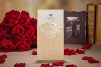 kırmızı zarf davetiyeleri toptan satış-Altın mor kırmızı lazer kesim düğün davetiyeleri kartları hollow kişiselleştirilmiş Ücretsiz baskı Nişan davetiye zarflar ile