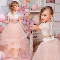 Incredibile 2016 Girl Dress Pageant nuovi abiti convenzionali illusione Lace Crop di due parti di una ragazza Top maniche corte Flower Girl Dress Ruffle Skirt