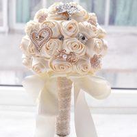 ingrosso spilla stupefacente-2019 Nuovo stile Elegante Stunning Wedding Flowers Perle Spilla Bouquet da sposa damigella d'onore Bouquet da sposa artificiale