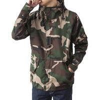 esporte de moda camuflagem venda por atacado-Queda de marca Harajuku Skate Esporte camuflagem Casacos Outdoor Homens Causal com capuz acampamento ao ar livre casaco fashion Mens Camo Roupa