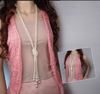 ingrosso lunghe perle faux-Classico designer Collane moda Dolce Faux Perla Collane lunghe Collana maglione collana Collane spedizione gratuita