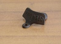 Wholesale Vintage Opener - 100pcs Wall bottle Opener Wine Beer Mount Copper Cap RUSTIC CAST IRON CAFE BAR WALL OPENer HERE Metal Retro cap catcher vintage