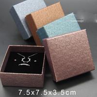 pequeña pulsera de embalaje al por mayor-Venta al por mayor Pequeñas Cajas de Regalo para la Joyería Venta Caliente Collar Pendientes Anillo Pulsera Exhibición de la Joyería Accesorios Embalaje Venta de Fábrica