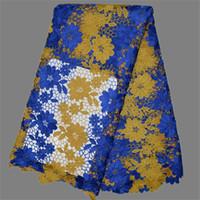 beliebte blaue blumen großhandel-Beliebte design royal blue mit gold blume Afrikanischen wasserlösliche spitze stoff schöne netzgewebe EW107-7 (5 yards / lot)