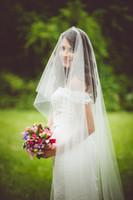 weißes swarovski hochzeitskleid großhandel-Hot Erstaunlich Top Qualität Beste Verkauf Romantische Kathedrale Weiß Elfenbein Schnittkante Schleier Swarovski Braut Kopfschmuck Für Brautkleider