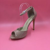 Immobilier 2016 Chaussures de mariage Nude Chaussures Buckle Strap nuptiales Summer Style Party Ladies Chaussures Peep Toe Mode Prom Shoes Cheap Modest Custom Made