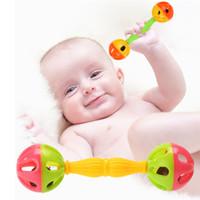 jouets de développement pour bébé 12 mois achat en gros de-Bébé enfants hochet cloches secouant des jouets de développement précoce de dumbells pour 0-12 mois livraison gratuite