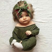 Wholesale Wholesale Long Sleeved Baby Rompers - New Born Baby Clothes Eurppean American Style Clothes Boys Girls Letters Long Sleeved Rompers Soft Cotton Children Bodysuits Green Set 9335