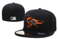 верхние шляпы для оптовых-Мужские Иволги черный цвет на поле установлены шляпа плоские поля embroiered команда логотип вентиляторы высокое качество бейсболки Иволги полный закрытые шапки