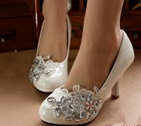 Wholesale Bride Maids Shoes - Wedding Photos Portray Wedding Shoes Manual Custom Diamond Bride Shoes The Maid Of Honor Low With The Wedding Shoes For Women's Shoes