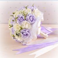 mor çiçek bilek toptan satış-2018 Mor Inciler Düğün Buketleri ile Bilek Korsaj Hediye Yapay Çiçekler Gelin Tutan Çiçekler El Yapımı Çiçekler Gelin Buketleri ramo