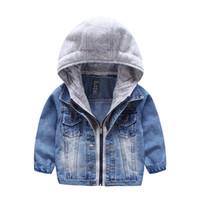 crianças tricotar outwear venda por atacado-2018 New Kids Jacket lavado Denim casaco com capuz de malha Falso 2 pcs Outono Inverno meninos outwear Moda crianças roupas qualidade