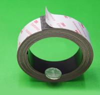 mıknatıslı bantlar toptan satış-Bir pc boyutu 1m (l) * 30mm (w) * 1.0mm (t) 3m yapıştırıcı mıknatıs şerit; tutkal mıknatıs şerit, yapışkan kauçuk mıknatıs
