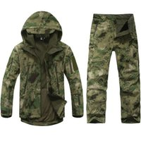 tad haifischhose hose großhandel-TAD Tactical Softshelljacke Men Army Waterproof Camo huntingClothes Anzug Camouflage Shark Skin Military Jacket + Pants