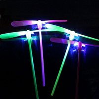 ingrosso ali libere di fata-LED Luminoso Bambù Dragonfly Flying Fairy Flying Arrow Toy Bambini Novità Giocattoli Festa di compleanno Regali 1200 pz / lotto DHL LIBERA