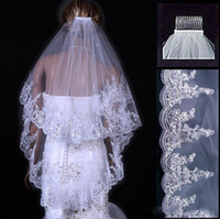 Eleganti veli da sposa in rilievo Lunghezza punta delle dita Due strati Pettine bianco avorio Velo da sposa corto Bordo paillette Accessori da sposa Made In China