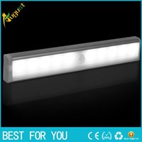 Stick-on Anywhere Portable 10 LED di movimento senza fili Sensing Light Bar con Magnetic Strip (batteria)