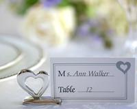 titular de la tarjeta en forma de corazón al por mayor-Soporte de tarjeta de lugar de amor Soporte de tarjeta de mesa hueco en forma de corazón de metal con tarjeta Regalo de boda y fiesta romántica