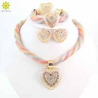 Mulheres Dubai Moda Vintage Luxo Crystal Love Heart Necklace Brincos Rhinestone Wedding Bridal African Costume Jewelry Sets