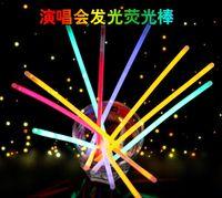ingrosso giocattolo di plastica della bastone di plastica-il bastone luminoso del bastone di luce del bastone del bastone di fluorescenza principale gioca il fumetto creativo dei giocattoli di plastica