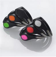 pulseiras de festa plástica luz venda por atacado-Hot Bicicleta Ciclismo Calçados Esportivos de Segurança Do Pulso Sinal de plástico clipe de sapato de LED flash luminosa Led Sapato Clipe com saco de OPP D6