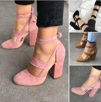 El tobillo atractivo elegante de las mujeres más nuevas ata con correa los  zapatos de los altos talones Las señoras del verano de las sandalias  gruesas del ... d1d8aa0c6ff8