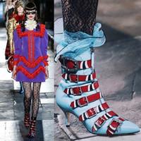 bot topuklar elbise toptan satış-Serpantin Deri Kingsnake Ayak Bileği Çizmeler Kadın Siyah Martin Çizmeler Bıçak Patik Tasarımcı Toka Fetiş Topuklu Elbise Balo Ayakkabı Pompalar