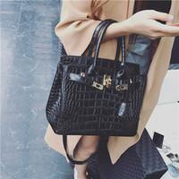 kabartmalı çanta torbaları toptan satış-Satış Yüksek Kalite Marka Tasarım kadın Çantası Tote Bayanlar Çanta Patent pu Deri Kabartmalı Desen Kadın Haberci Çantası