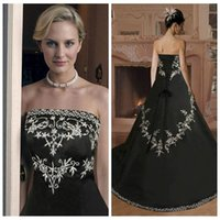 2016 Vintage White Black A-Line Кружева Appliques Свадебные платья Slim Church Gothic Bridal Gowns Custom Online Vestidos De Novia Дешевые