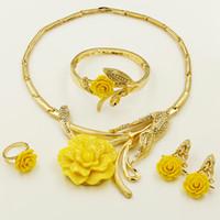 rosa amarilla conjuntos de joyas al por mayor-Liffly New Dubai Ventas Directas Dubai Gold Jewelry Crystal Exagerada Yellow Rose Shape Mujer Collar Accesorios de Joyería Conjuntos de Joyería Nupcial