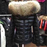jaqueta de pele preta real venda por atacado-Qulity M Marca de Inverno Para Baixo Mulheres Jaqueta Curta Casaco Quente Preto Real Raccoon Fur Com Capuz Feminino Pato Branco Para Baixo Casacos