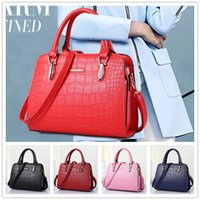 Wholesale Cheap Crocodile Tote Handbags - New arrival cheap hot fashion style zipper crocodile grain women handbag shoulder Messenger cross-section BAG85