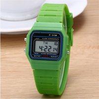 dijital kronometre saatleri toptan satış-Çok fonksiyonlu Dijital Saatı severlerin Spor Saatler Silika jel marka LED İzle Kronometre çalar saat Aydınlık F91W