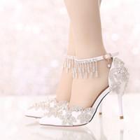 bretelles en strass achat en gros de-Sandales d'été blanc bout pointu chaussures de soirée de mariage mariée cristal chaussures à talons hauts robe de mariée avec des sangles strass cheville