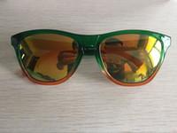 yeni stil lensler toptan satış-Yeni Varış Klasik Kurbağa Stil Güneş Moda Marka Yansıtıcı lens Gözlük Yaz Için 12 adet / grup