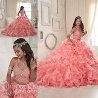 rosa flauschige plus size kleider großhandel-Coral Lace Organza Zwei Stücke Quinceanera Kleider 2018 Modest Rüschen Sweet 16 Ballkleid Plus Size Masquerade Sheer Prom Gelegenheits-Kleid
