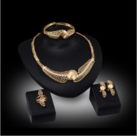 anillo de bodas fija 18 de oro al por mayor-Joyas huecas de alto grado Conjuntos de joyas juegos de aretes pulsera anillos de boda 18 K joyería de oro familia de cuatro GTOMKS034