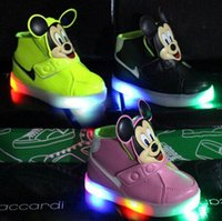 Wholesale Cool European Boots - New European Fashion Lighted up LED kids sneakers Elegant Lovely baby boys girls shoes boots hot sales cool children shoes