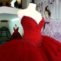 15 kleider rot geschwollen großhandel-2018 Luxus Red Ballkleid Quinceanera Kleider Lange Puffy Perlen Kristall Schatz Tüll Vestidos De 15 Prom Party Kleid für Mädchen