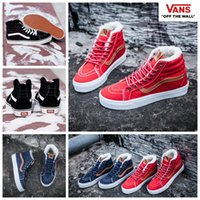 2017 VANS Inverno Boots Sapatos Com Veludo Sk8 Oi Casual Red High Top Canvas Classic Preto Azul Mulheres Men Skateboard Sneakers