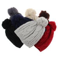 örme şapkalar toptan satış-Erkekler ve Kadınlar için saf Renk Sıcak Beanies Şapkalar 8-character büküm büyük saç topu kap örme şapka erkek şapka için Kış Bahar erkek yün şapka