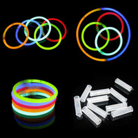2016 Multi Color 20cm Glow Stick Bracelet Neon Party LED clignotant Bâtons Avec Sticks Connector Utilisation de Flash Glow