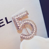 Wholesale Crystal Broaches - Number 5 Full Crystal Brooch Rhinestone Broach For Women Party Flower Number Brooches Pin 2016 Brand New Women